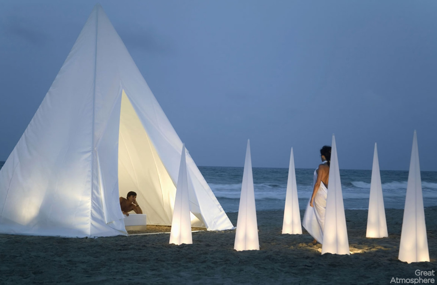 Garden-teepee-Designed-by-Jose-A-Gandia-Blasco-sea-people-relaxing-great-atmosphere-01-1