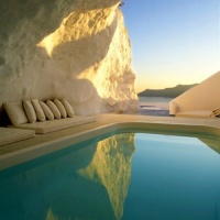 Amazing Natural Pool in Santorini, Greece.
