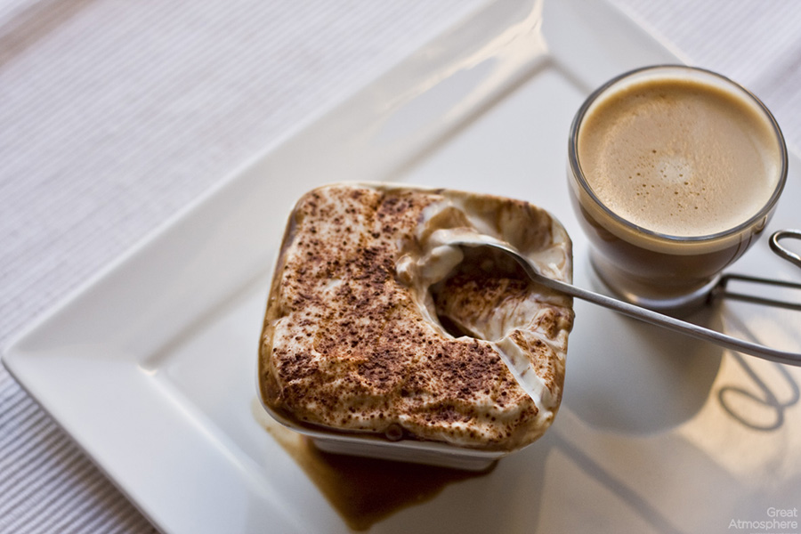 Tiramisu_and_coffee_Dukan_Tiramisu_time_break_relaxation_great_atmosphere_1