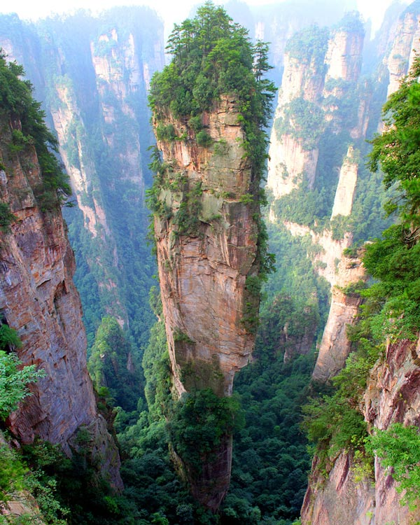 12-Mountains-Tianzi-China-great-atmosphere