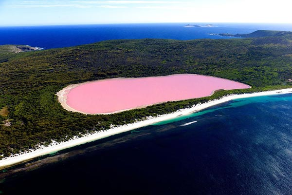 14-Lake-Hillier-Australia-great-atmosphere
