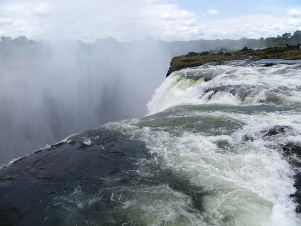 Great atmosphere amazing 18 pools that you would like to dive great atmosphere for Devils swimming pool victoria falls