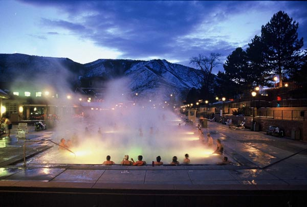 18-Glenwood-Hot-Springs-Colorado-amazing-pools-that-you-will-like-to-dive-swimming-pool-photography