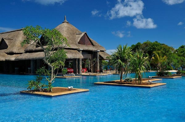 Great atmosphere amazing 18 pools that you would like to for Swimming pool mauritius