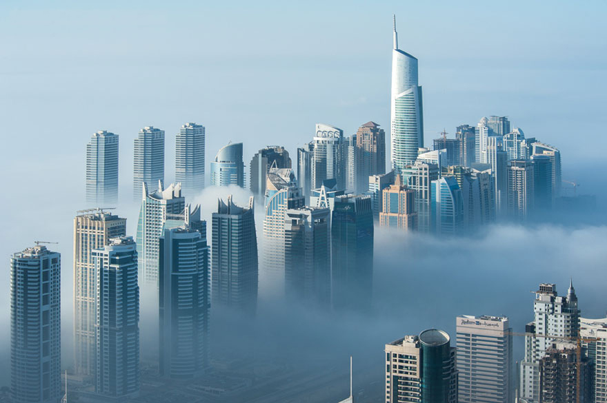 a-blaze-with-light-dubai-in-fog-sebastian-opitz-4