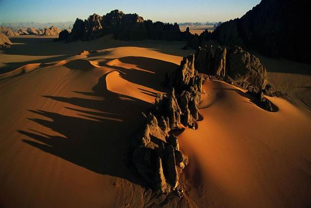 aerial-africa-13-Sandstone-pyramids-Karnasai-Valley-Chad