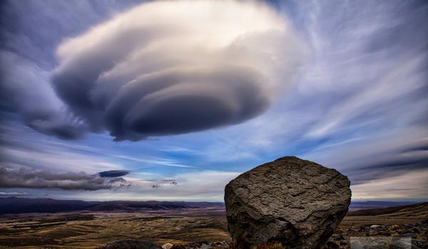 Amazing-lenticular-clouds-on-Earth-11-Rangipo-Desert-Mount-Ruapehu-New-Zealand