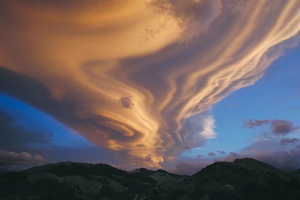 Amazing-lenticular-clouds-on-Earth-15-Tararua-New Zealand-great-atmosphere