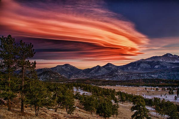 Amazing-lenticular-clouds-on-Earth-17-Ridge-Trail-Deer-Mountain-Colorado