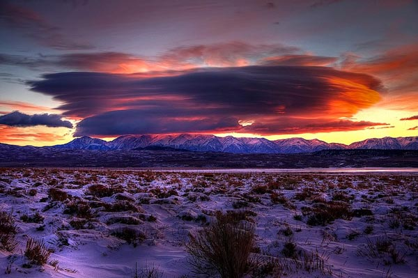 Amazing-lenticular-clouds-on-Earth-20-Whitmore-CA-great-atmosphere