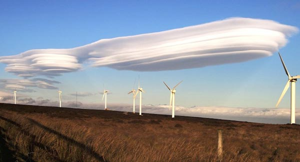 Amazing-lenticular-clouds-on-Earth-4-Oxenhope-Bradford-England-great-atmosphere