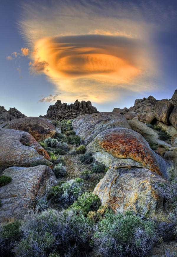 Amazing-lenticular-clouds-on-Earth-6-Alabama-Hills-California-great-atmosphere
