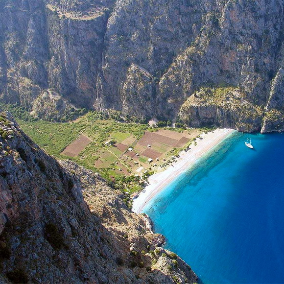 Butterfly-Valley-Turkey-hidden-beaches-9-travel-great-atmosphere