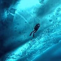 Diving under the ice of the Arctic!