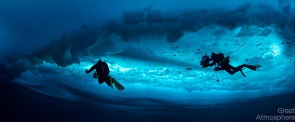 diving-under-ice-arctic-ocean-10-beautiful-amazing-travel-destination-photography-great-atmosphere