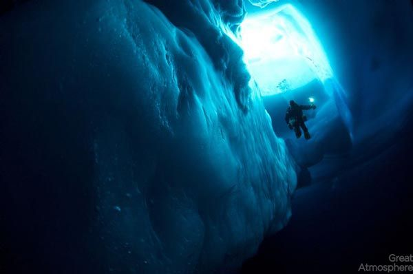 diving-under-ice-arctic-ocean-6-beautiful-blue-travel-photography-great-atmosphere