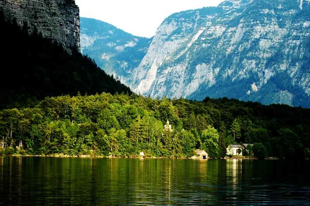 Hallstattersee-Austria-great-atmosphere-travel-destination-beautiful