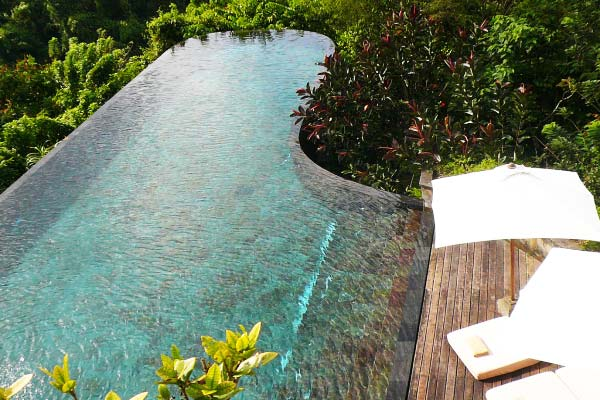 Impressive-pools-in-tropical-forest-6-Ubud-Hanging-Gardens-Hotel