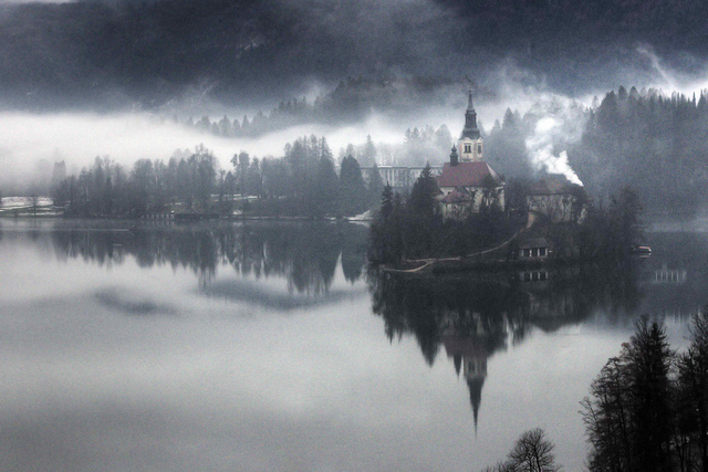 Lake-Bled-great-atmosphere-travel-destination-beautiful