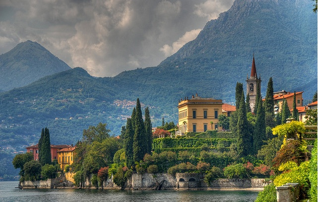 Lake-Como-great-atmosphere-travel-destination-beautiful