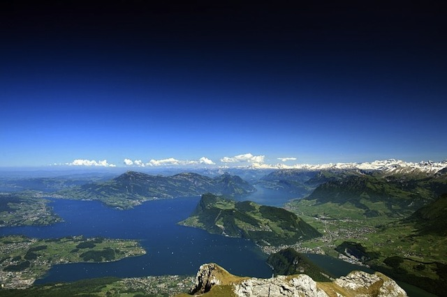 Lake-Lucerne-great-atmosphere-travel-destination-beautiful