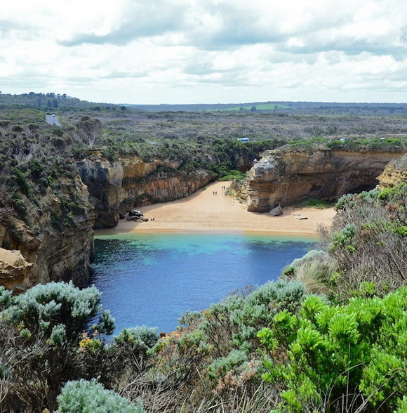 Loch-Ard-Gorge-Beach-Australia-hidden-beaches-12-travel-great-atmosphere