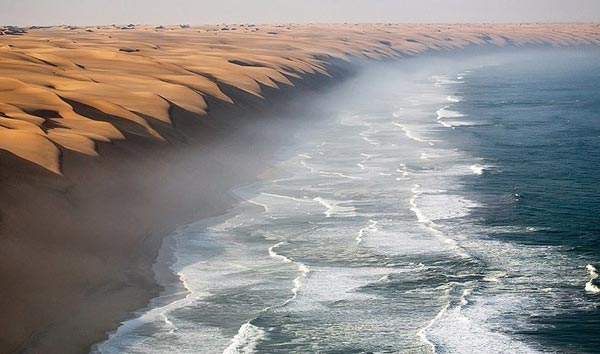 namibia-where-the-desert-meets-the-sea-2-great-atmosphere-travel-nature-photography