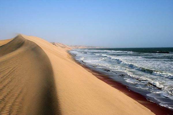 namibia-where-the-desert-meets-the-sea-6-great-atmosphere-travel-nature-photography