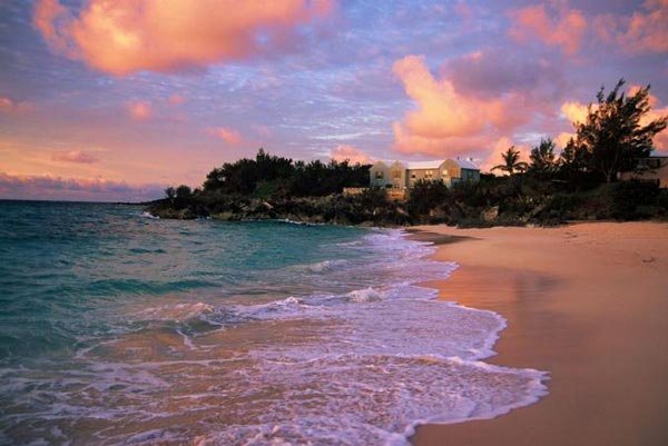Pink-Beach-Bermuda-travel-destinations-great-atmosphere-photography-3