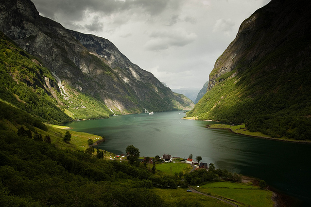 Sognefjord-Norway-great-atmosphere-travel-destination-beautiful