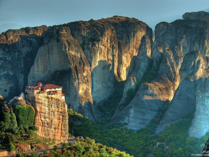 Beautiful Meteora Greece On Great Atmosphere Great Atmosphere