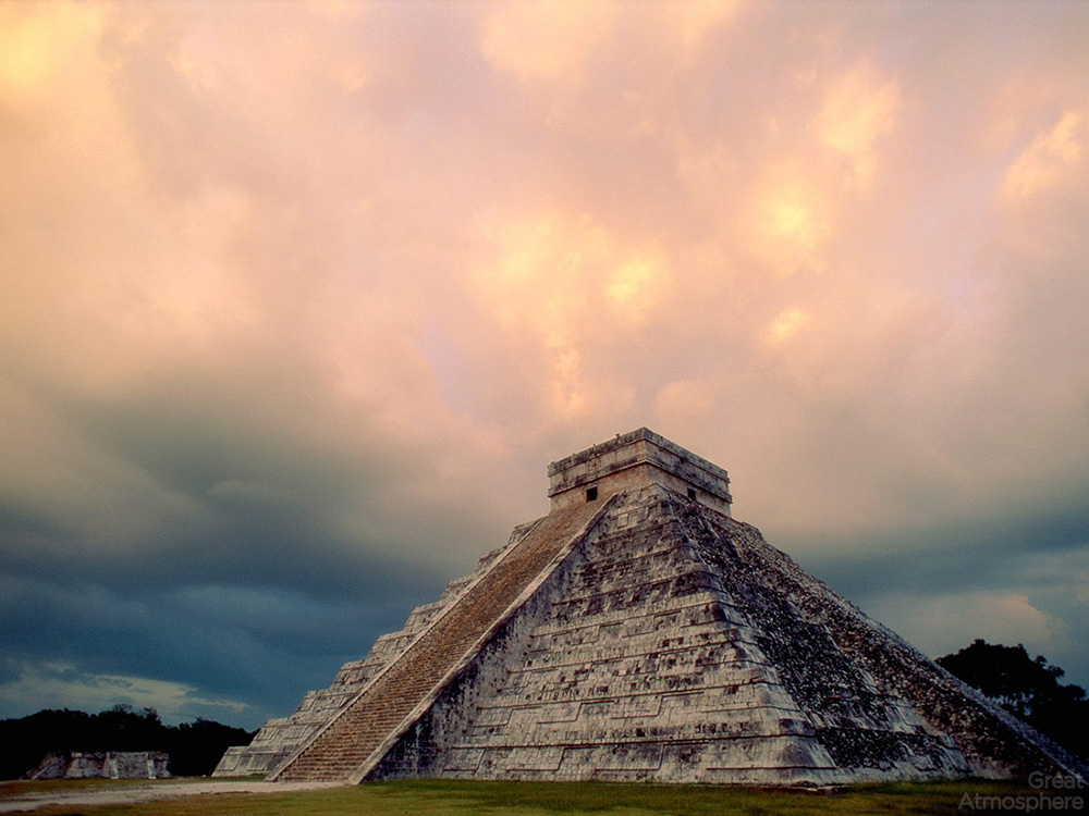 Chichen-Itza-Yucatan-Mexico-El-Castillo-travel-photography-destinations-great-atmosphere-231-1