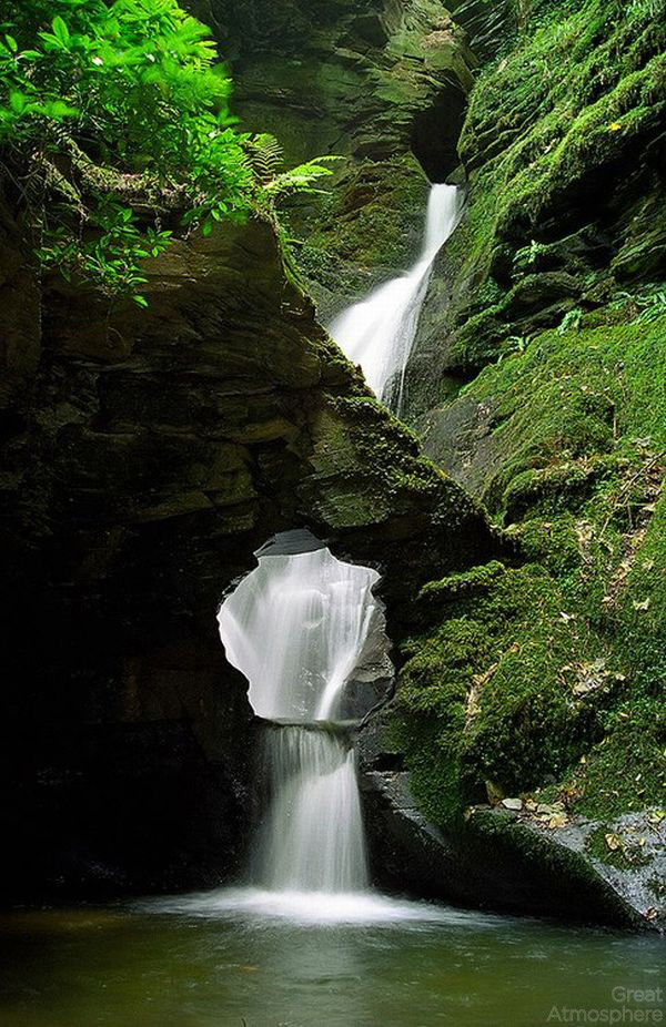 relaxing-waterfall-great-atmosphere-nature-photography-beautiful