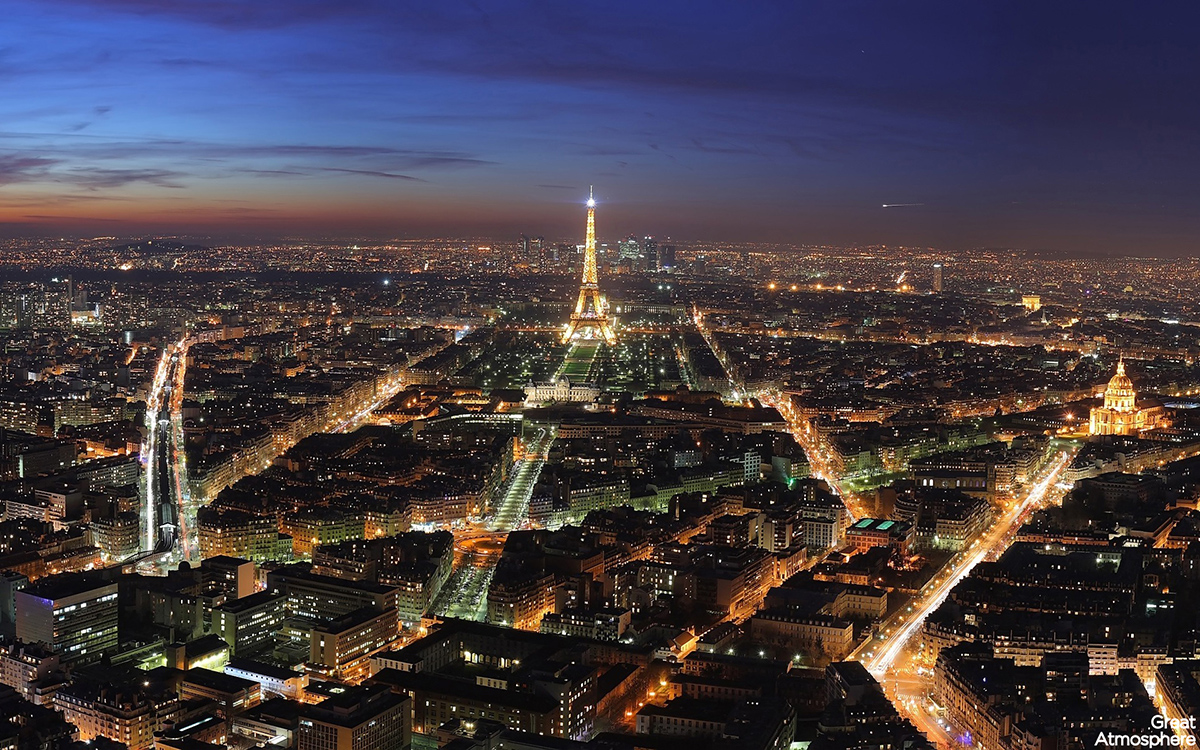 eiffel-tower-Paris-France-at-night-landscape-photography-travel-destinations-beautiful-view-great-atmosphere-263