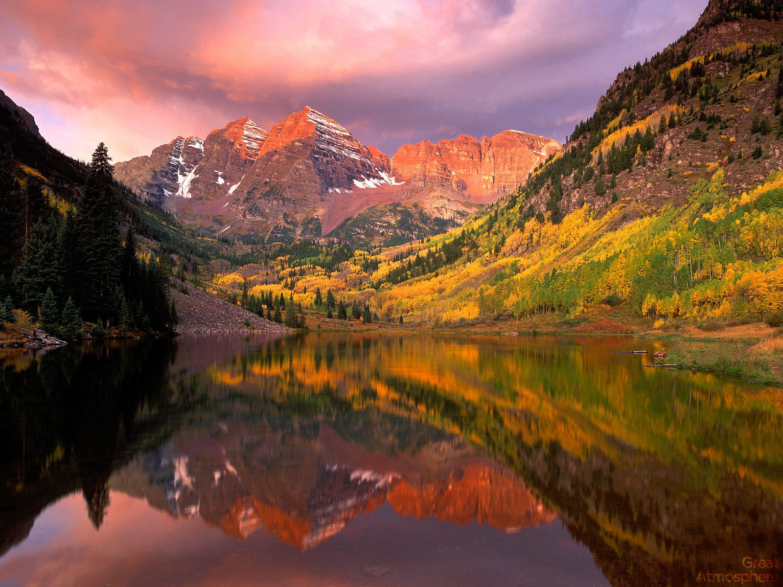 Maroon-Bells-at-Sunrise-Aspen-Colorado-amazing-view-beautiful-travel-photography-nature-landscapes-colors