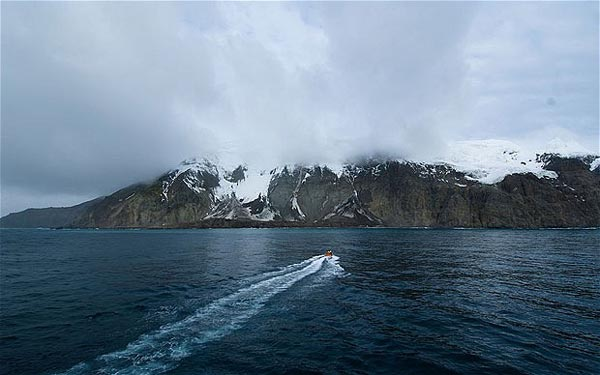 Bouvet-South-Atlantic-isolated-islands-for-modern-Robinson-10-great-atmosphere-nature-travel-destinations